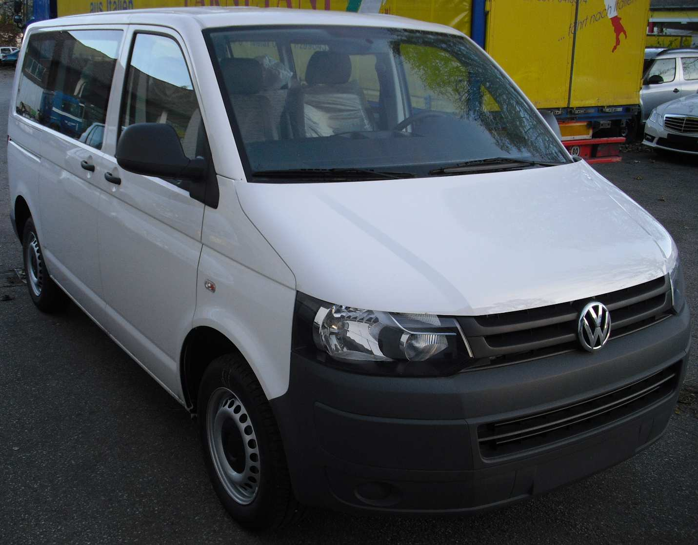 vw t6 transporter kasten kombi 20 tdi bluemotion crafter autos post. Black Bedroom Furniture Sets. Home Design Ideas