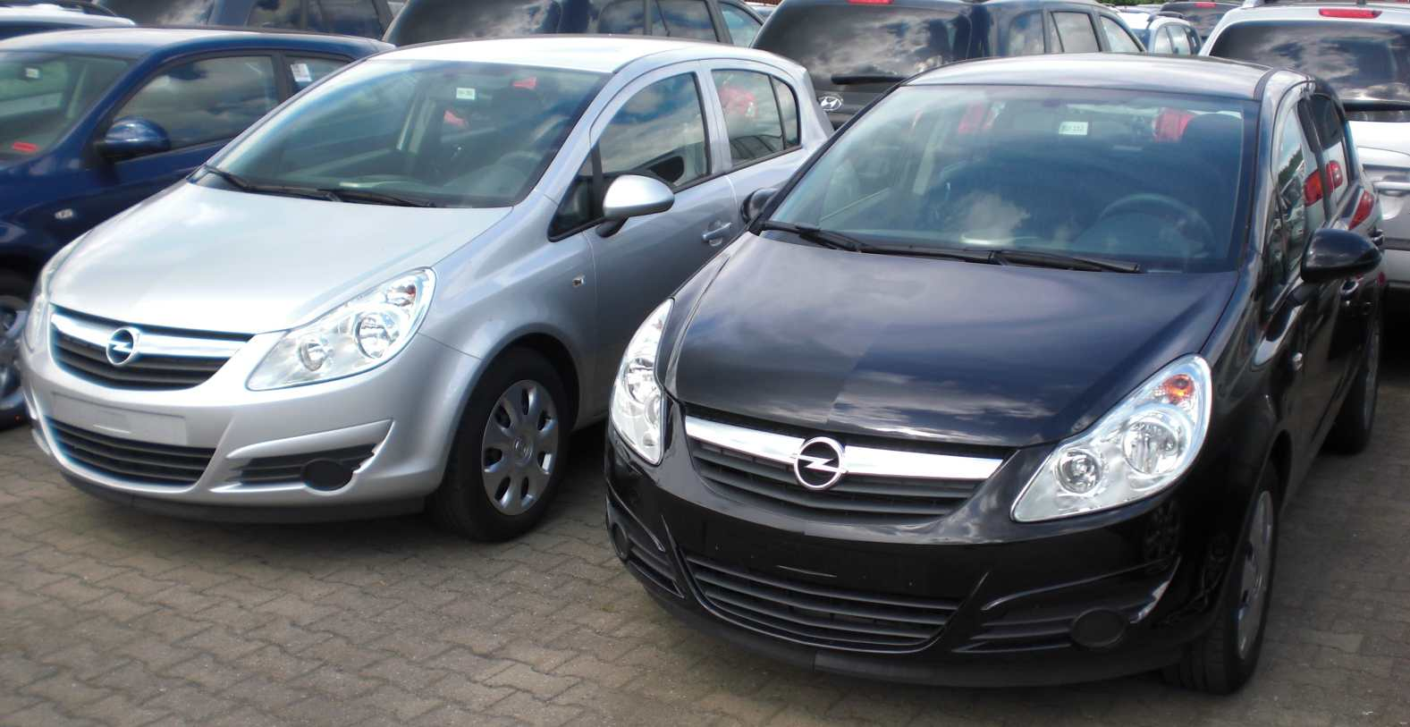 Opel Corsa 1.2i Enjoy 5-Türen (EK)