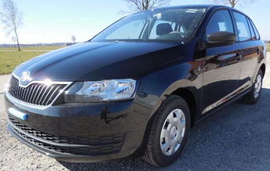 skoda rapid spaceback active schwarz