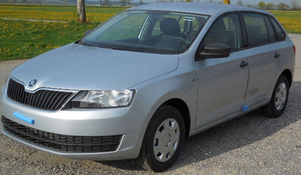 skoda rapid spaceback active silber