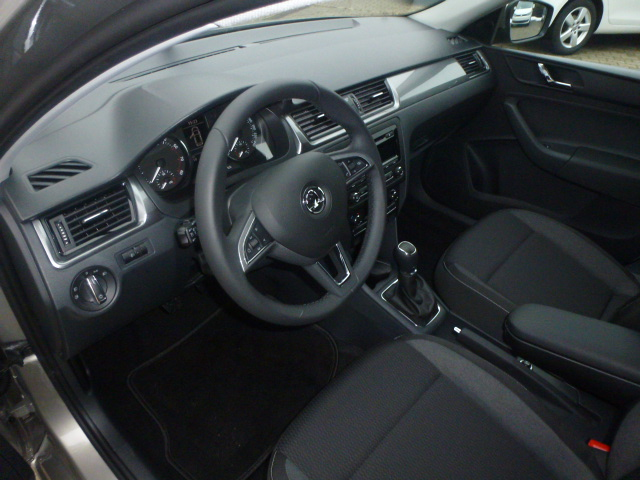 Skoda Rapid Spaceback Ambition innen