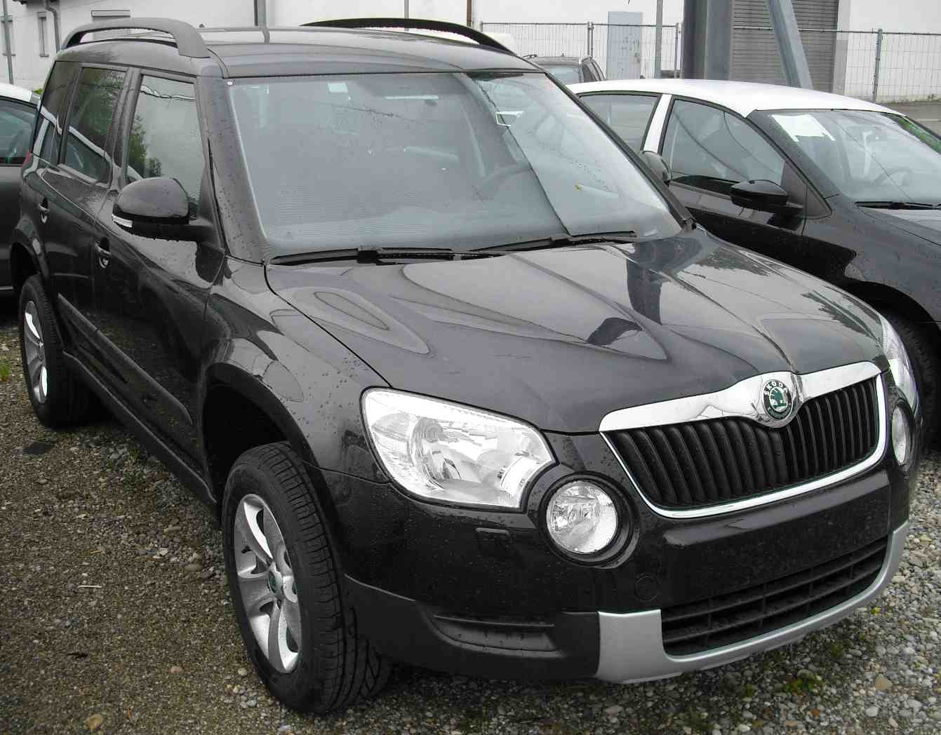 skoda yeti neues modell 2015 2016 active ambition elegance. Black Bedroom Furniture Sets. Home Design Ideas